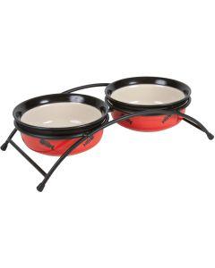 Elegant matbar med keramikskålar