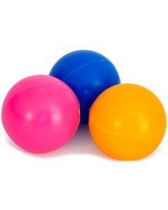 Lätt och studsande pingisboll