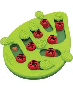 Buggin' Out Puzzle & Play. Roligt aktivitetsspel med 16 godisgömmor.