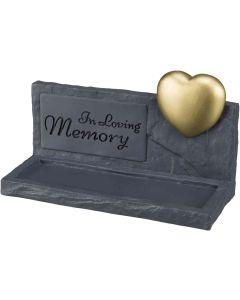 """Trixie Minnessten Hearts Grå. Upphöjt guldhjärta och text """"In Loving Memory""""."""